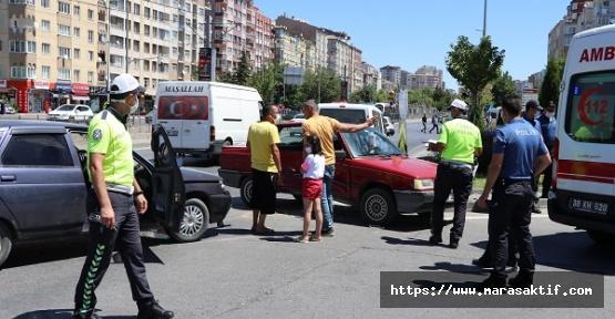 Otomobiller Çarpıştı 6 Yaralı