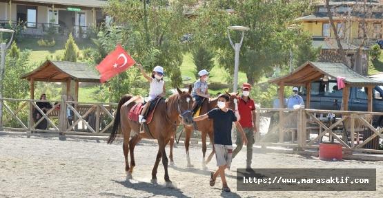 Şehit ve Gazi Çocukları At Bindi Ok Attı