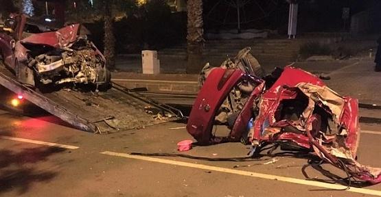 Paramparça Otomobilden Sağ Çıktı