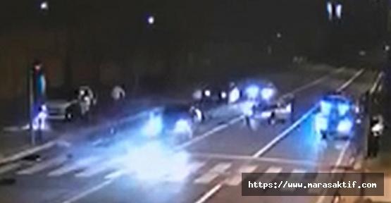 Kırmızı Işıkta Bekleyen Otomobilleri Böyle Biçti