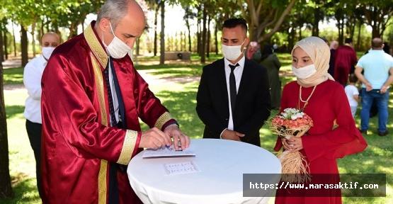 Pandemiye Rağmen Bin 800 Çift Nikahlandı