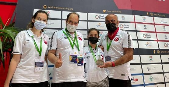 Paralimpik Sporcular Madalyalarla Döndü