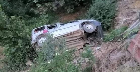 Araç Şarampole Uçtu 1 Ölü 3 Yaralı
