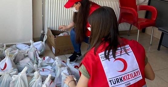 Türk Kızılay'dan Ailelere Yardım