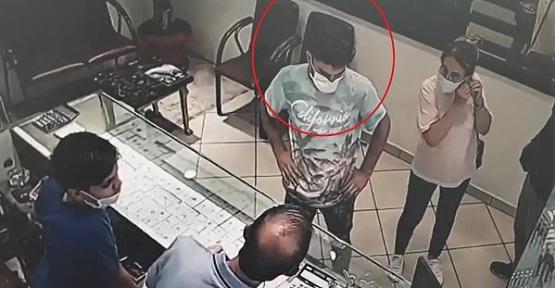 Camiye Gizlenen Kapkaççı Yakalandı