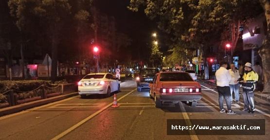 Otomobiller Çarpıştı 3 Yaralı