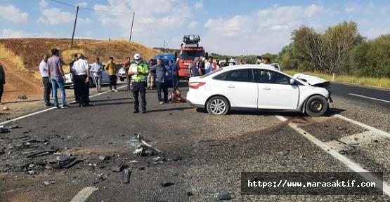 İki Otomobil Çarpıştı 1 Ölü 2 Yaralı