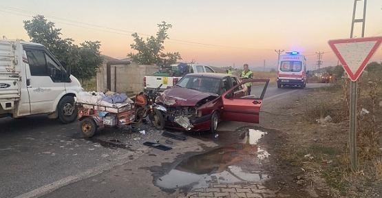 Otomobil İle Motosiklet Çarpıştı 2 Yaralı