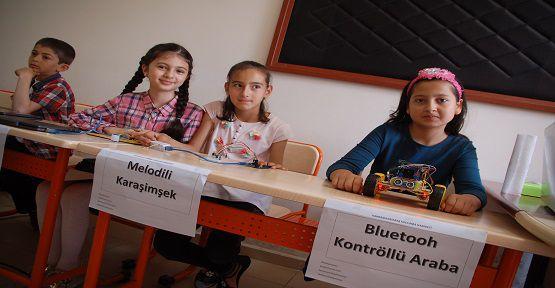 Afşin'de Öğrenciler Robot ve MP3 Çalar Üretiyor