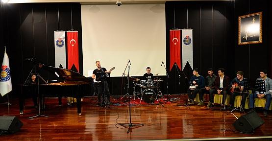KSÜ'de Yıl Sonu Gösterisi