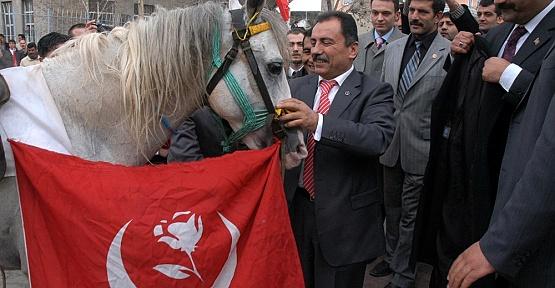 BBP Kurucusu Yazıcıoğlu Anılıyor