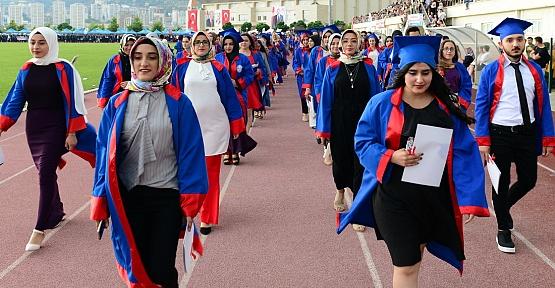 KSÜ Mezuniyet Töreni Düzenlendi