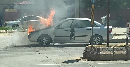 Elbistan'da Otomobil Yandı