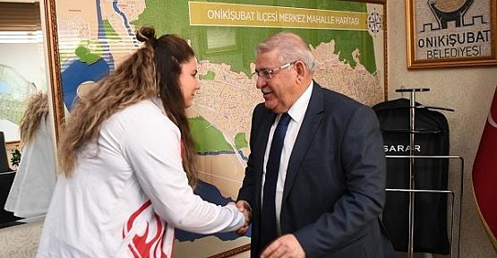 Avrupa Şampiyonu, Mahçiçek'i Ziyaret Etti