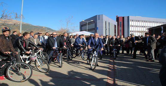 Bisikletler KSÜ'ye Teslim Edildi
