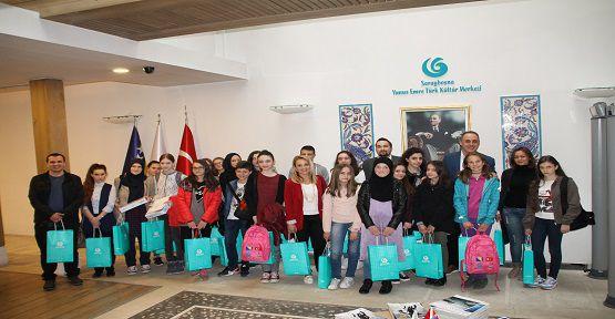 Bosnalı Öğrencilere Onikişubat'tan Yardım