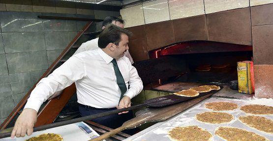 Erkoç Lahmacun Pişirdi