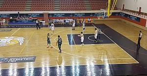 Büyükşehir Çeyrek Finalde