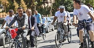 Görme Engelliler Okula Bisikletle Gitti