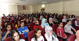 Liselilerin İlk Dersine KSÜ Hocaları Girdi