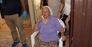 Yaşlı Kadını Soydular