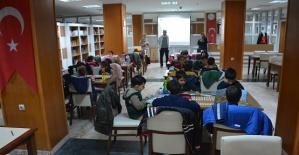 ÖğrencilerKütüphaneleri Tanıyor