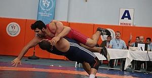 Güreş Şampiyonasının İkinci Günü