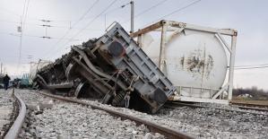 Lokomotiften Ayrılan Vagonlar Trene Çarptı