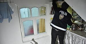 Torbacı 5 Kişi Tutuklandı