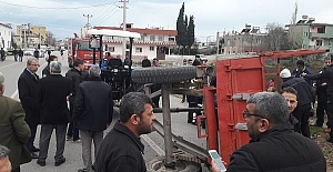Traktör Devrildi 14 Yaralı