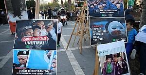 Zulmün Gölgesinde Doğu Türkistan