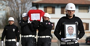 Polis Meslektaşını Öldürdü İntihar Etti