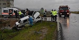 Kazada 4 Ölü 12 Yaralı Var
