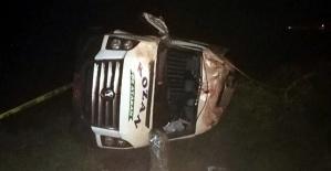 Minibüs Devrildi 1 Ölü 10 Yaralı