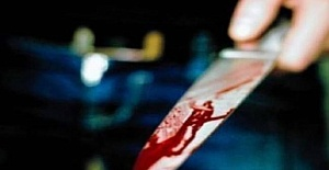 Genç Bıçakla Öldürüldü