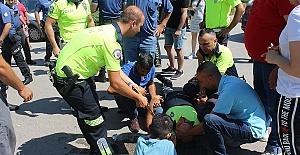 Motosikletli Polis Yaralandı