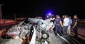 Otomobil Panelvanla Çarpıştı 8 Yaralı