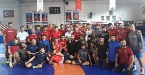 Güreşçiler Milli Takım Kampında
