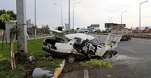 Otomobil Direğe Çarptı 1 Yaralı