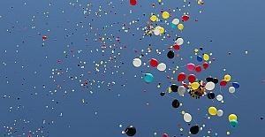 Binlerce Balon Gökyüzünde