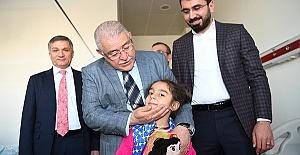 Mahçiçek Hastanedeki Çocukları Ziyaret Etti