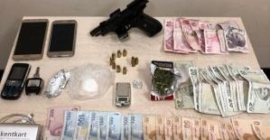 Uyuşturucu Satıcısı 6 Kişi Gözaltında