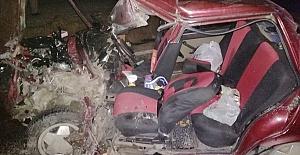 Araçlar Çarpıştı 1'i Ağır 3 Yaralı