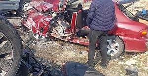 Feci Kaza 1'i Ağır 3 Yaralı