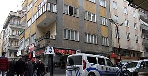 Pencereden Düştü Ağır Yaralandı