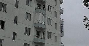 Polisten Kaçtı Pencereye Çıktı