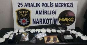 Uyuşturucu Ele Geçirildi 5 Gözaltı