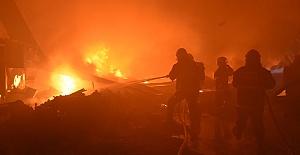 Fabrikada Yangın Çıktı 1 Ölü