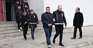3 Kişi Yaralandı 8 Kişi Tutuklandı