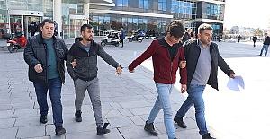 Hırsızlık Yaptılar Tutuklandılar